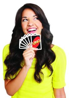 Frau mit Spielkarten- UNO