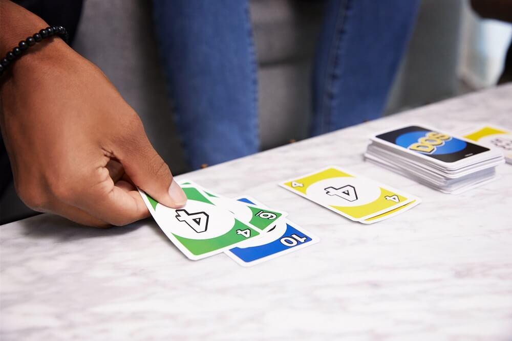 Spieler und Spielkarten- DOS - The card game